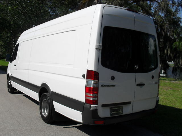 08 DODGE SPRINTER 3500 DRW HIGH CEILING-61K-LIFT GATE