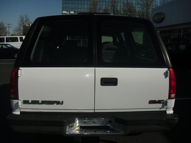 1999 GMC Suburban SL 4x4 2500 3/4 Ton White Clean!!