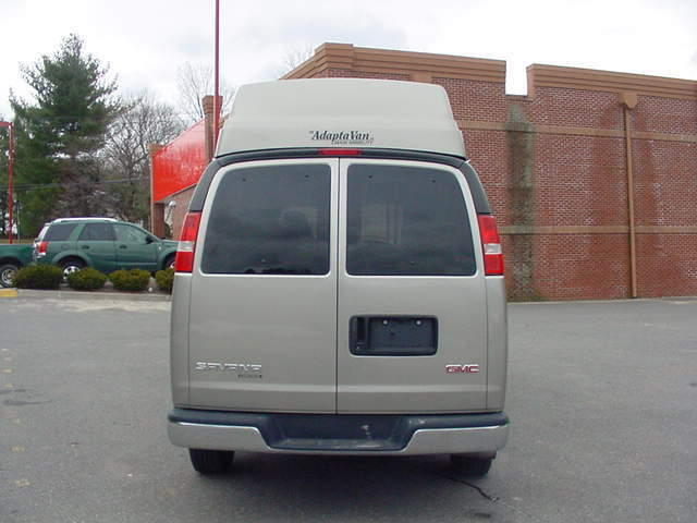 2004 GMC High Top Wheel Chair Van Side Lift,32k,miles