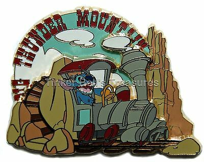 DISNEY Pin LE 1200 DLP - Stitch in Big Thunder Mountain - Stitch Invasion Series