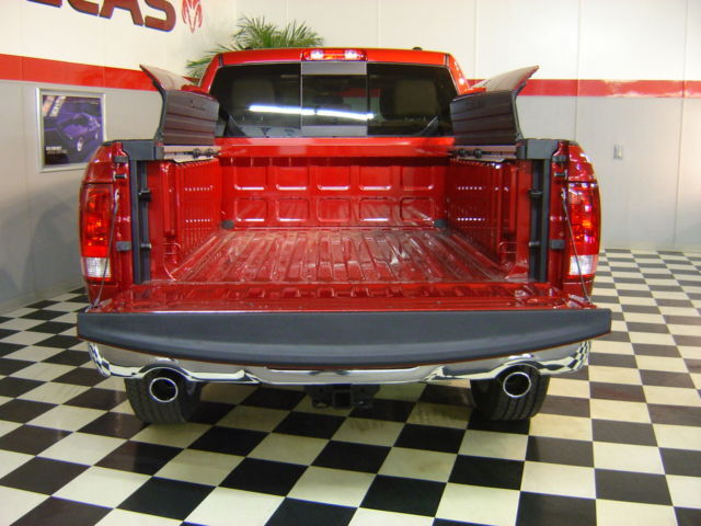 2011 RAM LARAMIE 4X4 1500 CREW CAB RAMBOX LOADED!!!!!