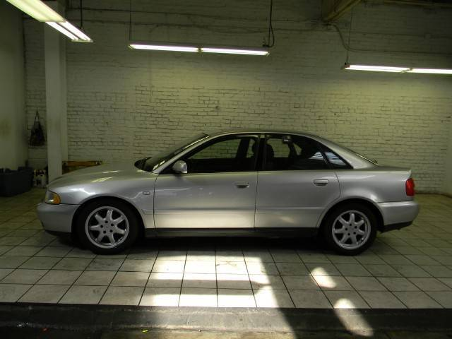 Sedan 4D Manual 1.8L AWD Turbocharged Aluminum Wheels