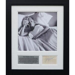 Marilyn Monroe - Signed tribute presentation