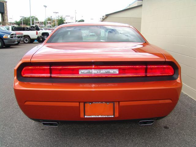 11 DODGE CHALLENGER NEW - FREE SHIP/AIR