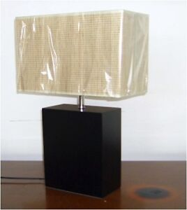 2 X BRAND NEW MODERN & STYLISH BEDSIDE TABLE LAMPS-T424