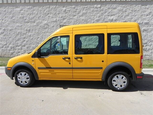 XLT Premium New 2.0L CD SCHOOL BUS YELLOW FROZEN WHITE