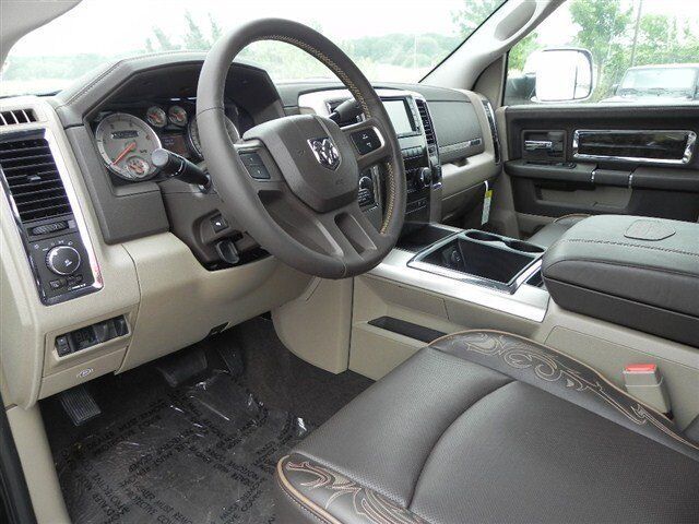 Laramie Long Diesel New 6.7L NAV CD 4X4 PWR SUNROOF