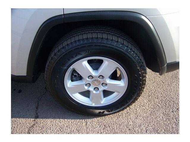 Image 3 of 4X4 4DR LARE SUV 3.6L…