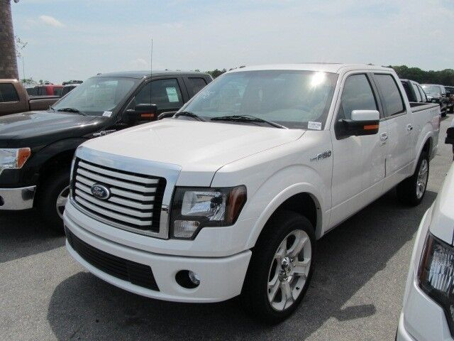 Lariat Limit New 6.2L NAV CD AWD TAILGATE STEP HD Radio