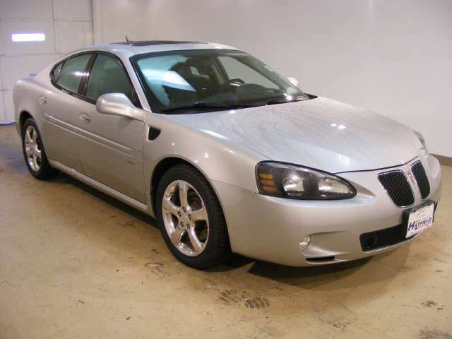 GXP 5.3L CD 4-Speed Automatic Transmission 9 Speakers