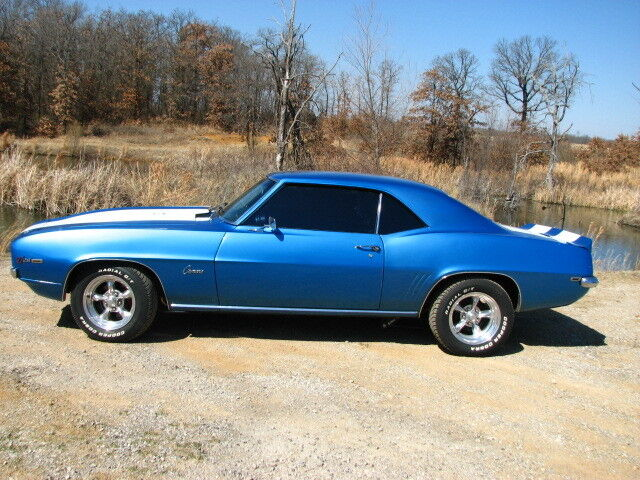 69 X77 Z28 Camaro RESTO MOD 383 6 speed Lemans Blue