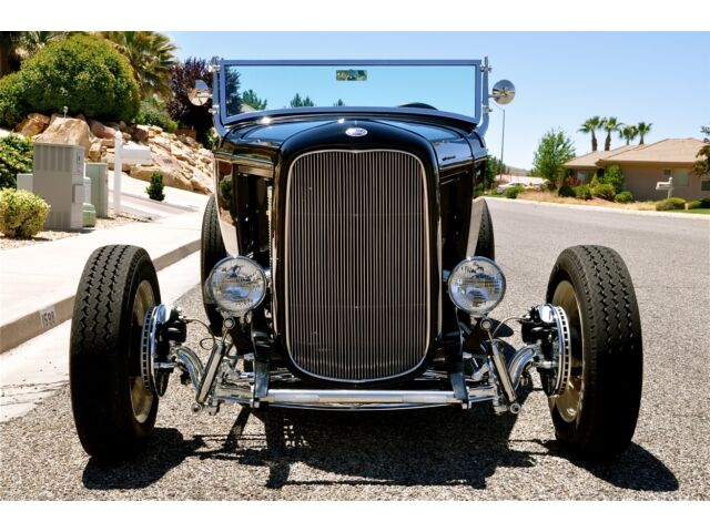 1932 FORD HI-BOY ROADSTER - Beautiful Black Street Rod!