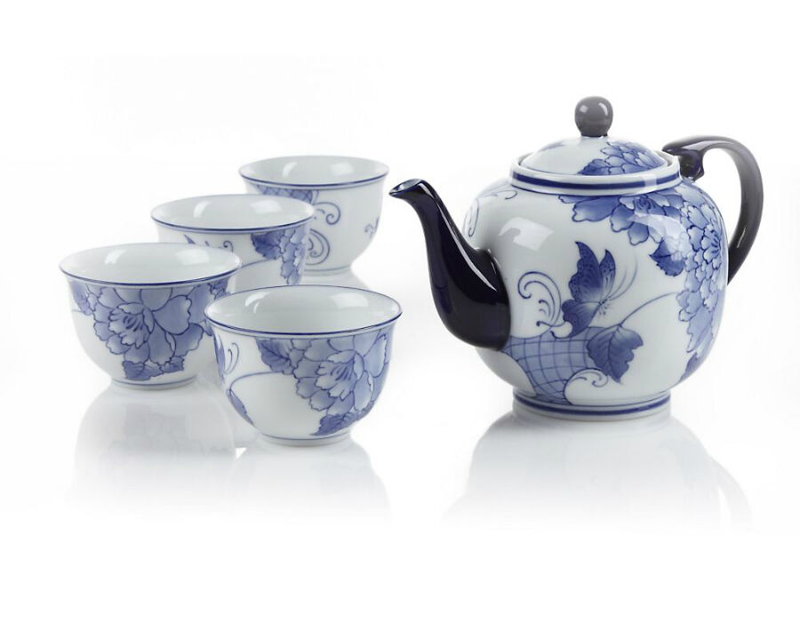 Your Guide to Buying Antique Chinese Painted Porcelain