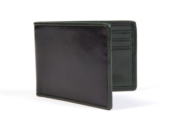 How to Buy a Men's Bifold Wallet