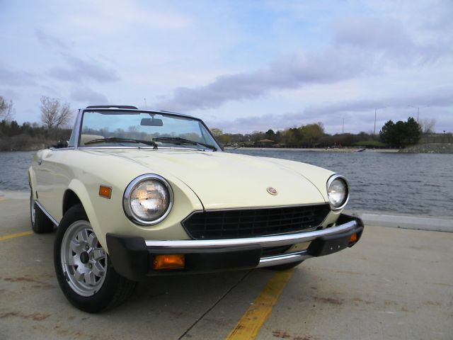 1981 Fiat Spider only 28K original mi spectacular mint