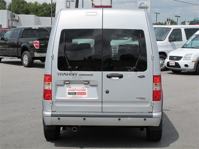 XLT 5 Passenger Backup Sensors Only 2300 Miles WARRANTY