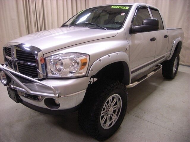 Dodge 2500 Diesel 4x4 Extras 5.9L Cummins Low Mileage