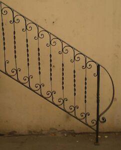 Ringhiera ferro battuto cm 145 x 105 x 34 sconto 50 for Foto di ringhiere in ferro battuto