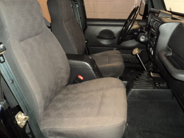 rubicon suv 2nd row bench seat bucket seats. Black Bedroom Furniture Sets. Home Design Ideas