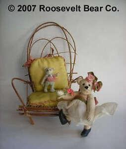 2-Miniature-Artist-OOAK-TEDDYs-w-willow-chair-CATHY-PETERSON-Roosevelt-Bear-Co