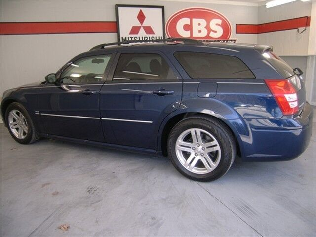 RT 5.7L Sunroof 340 horsepower 4 Doors Air conditioning