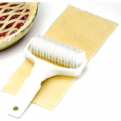 Norpro 3255 Deluxe Pie Top Pastry Lattice Cutter Heavy Duty Plastic Kitchen