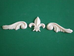 Decorative-Resin-Moulding-2-Georgian-Scrolls-with-a-Fleur-De-Lys