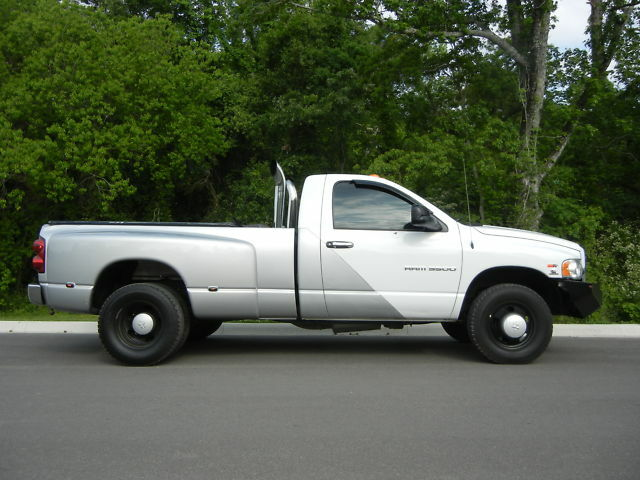 2005 Dodge Ram 3500 Regular Cab Dually Diesel