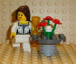NEW-Lego-Girl-Minifig-w-Table-Flower-Centerpiece
