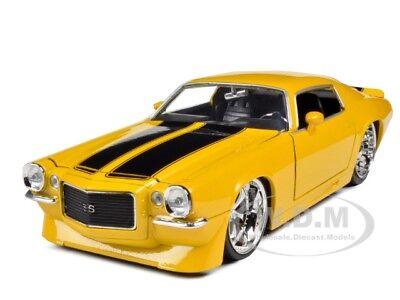 1971 Chevrolet Camaro Yellow With Black Stripes 1:24 Diecast Model By Jada 90533