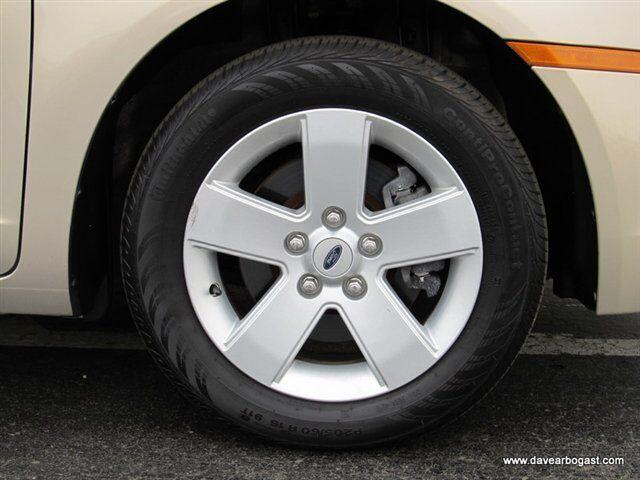 Image 4 of SE 2.3L CD Front Wheel…