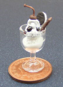 1-12-Scale-Vanilla-Ice-Cream-Sundae-Dolls-House-Miniature-Kitchen-Accessory-I31