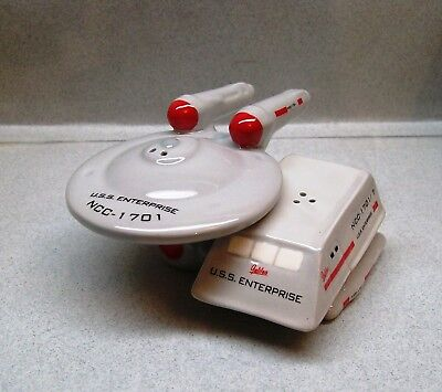 STAR TREK ENTERPRISE & SHUTTLE SALT & PEPPER SHAKERS WG