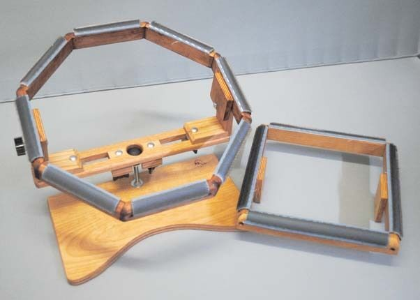 Vintage spinning frame traveler hooks