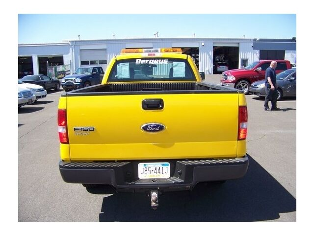 Image 9 of 2WD REG CAB 4.6L Rear…