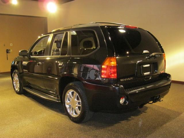 Image 4 of 4X4 4dr Dena SUV 5.3L…
