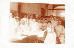 WW1-PHOTO-of-WOUNDED-GERMAN-ARMY-SOLDIERS-with-NURSES