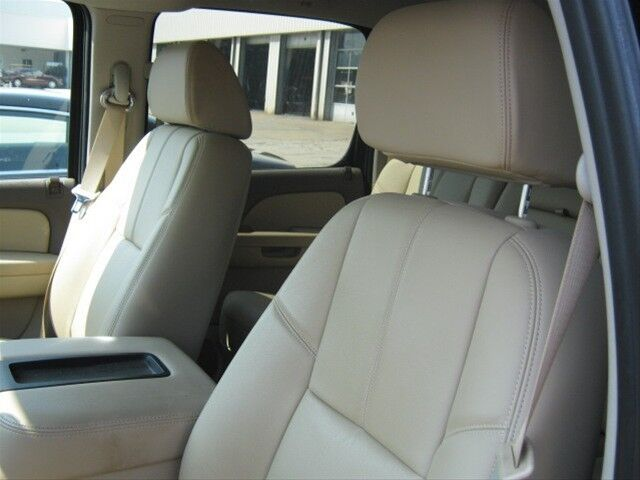 SLT 4X4 Crew 5.3L 4 Doors 4-wheel ABS brakes Tachometer