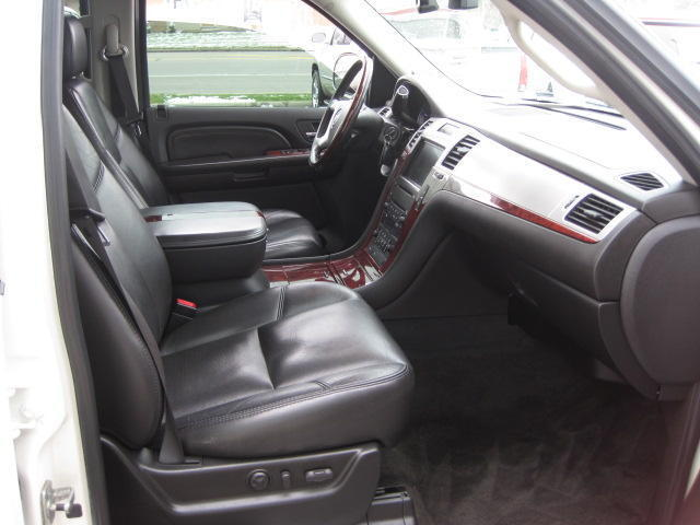 AWD~TOW PKG~SUNROOF~HEATED & COOLED SEATS~BACK-UP CAM