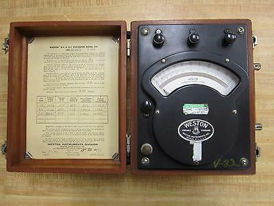 Weston 25356 Voltmeter Model 341 V-22 Vintage Antique