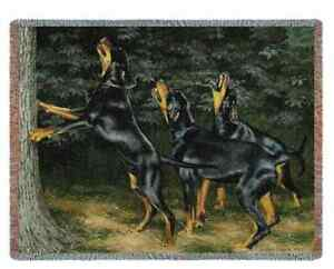 COON-HOUND-HUNTING-DOG-COONHOUND-TAPESTRY-THROW-BLANKET