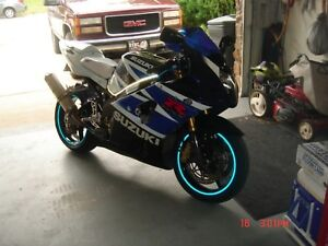Suzuki-GSXR600-GSXR-Reflective-Rim-Stripe-Tape-Decal