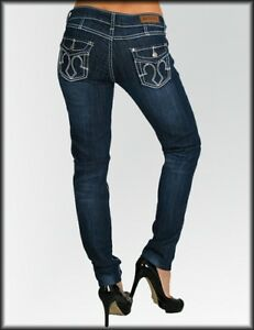 Womans Jr Plus Size Jeans Embroidered Pocket Contrast