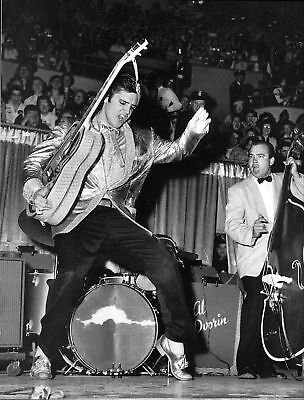 ELVIS PRESLEY GLOSSY IN CONCERT ROCK MUSIC 8X10 PHOTO