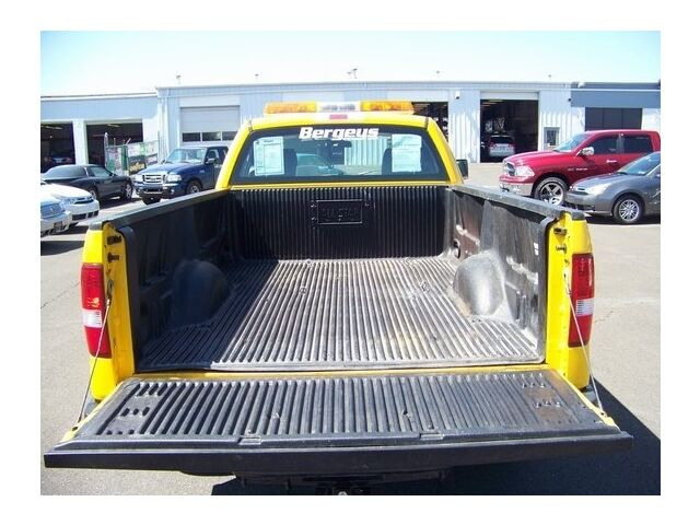 Image 11 of 2WD REG CAB 4.6L Rear…