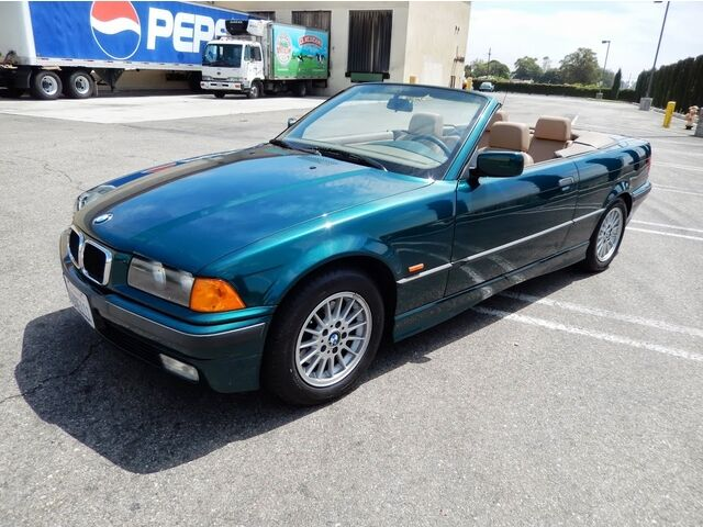 1997 bmw 318i convertible 5 speed very very nice car just 95000 miles runs great used bmw 318i. Black Bedroom Furniture Sets. Home Design Ideas