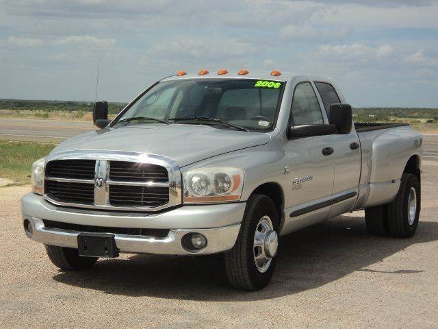 2006 dodge ram 3500 dually cummins diesel 6 speed. Black Bedroom Furniture Sets. Home Design Ideas