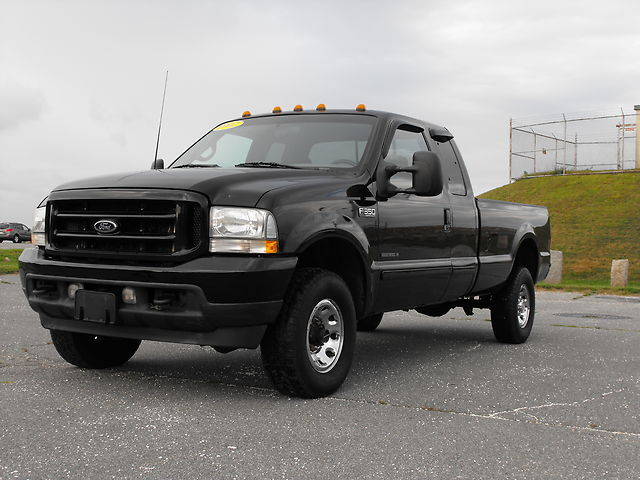 2002 ford f350 xlt diesel 4x4 supercab 8 39 bed used ford f 350 for sale in new bedford. Black Bedroom Furniture Sets. Home Design Ideas