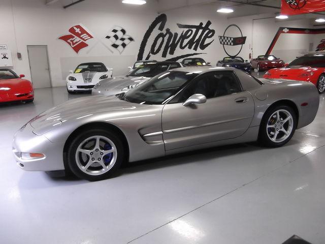 2000 corvette fixed roof hardtop light pewter metallic 6 speed nice used chevrolet corvette. Black Bedroom Furniture Sets. Home Design Ideas