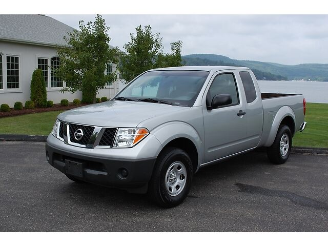 2006 nissan frontier xe king cab extended cab 2wd auto pickup truck extra clean used nissan. Black Bedroom Furniture Sets. Home Design Ideas